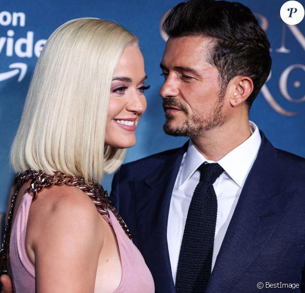 """Katy Perry et son fiancé Orlando Bloom à la première de la série télévisée Amazon Prime Video """"Carnival Row"""" au TCL Chinese Theatre dans le quartier de Hollywood, à Los Angeles, Californie, Etats-Unis, le 21 août 2019."""