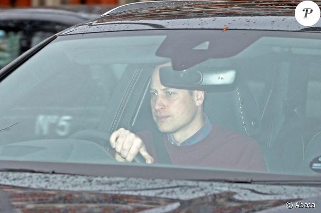 Le prince William quittant le palais de Kensington, à Londres le 14 janvier 2020, au lendemain du sommet familal convoqué par la reine Elizabeth à Sandringham.