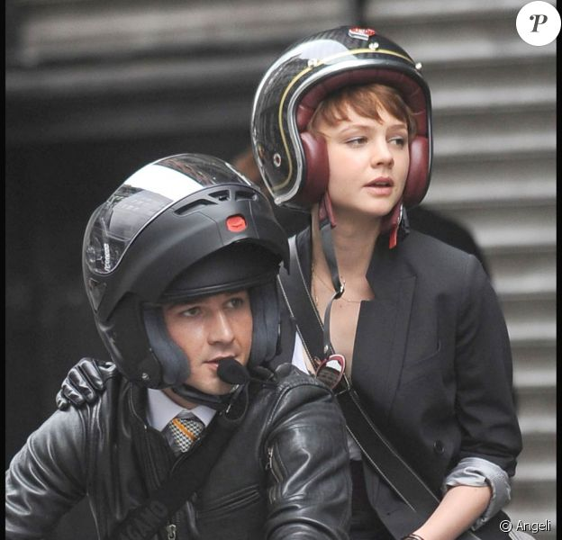 Shia LaBeouf et Carey Mulligan, sur le tournage de Wall Street 2, à New York, le 16 septembre 2009 !