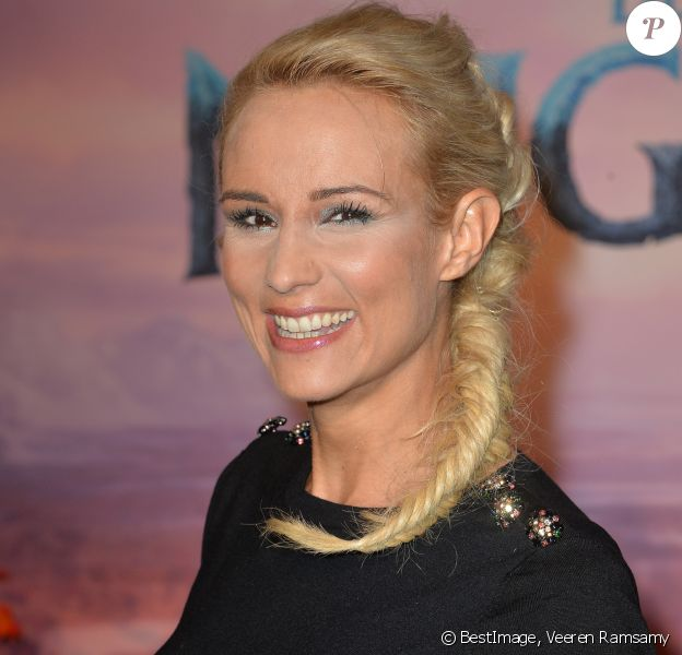 "Elodie Gossuin ( coiffure ""Reine des Neiges"") - Projection exceptionelle de ""La Reine des Neiges 2 "" au Grand Rex à Paris en novembre 2019. © Veeren Ramsamy/Bestimage"