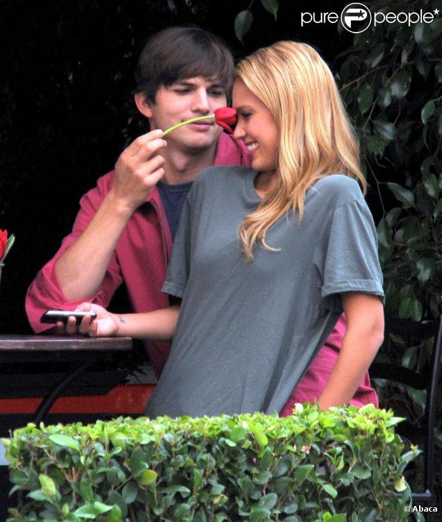 Ashton Kutcher et Jessica Alba sur le tournage de Valentine's Day