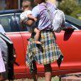 Exclusif - Christina Milian passe du bon temps avec ses enfants, son fils Isaiah et sa fille Violet, alors qu'elle rend visite à sa mère, à Studio City, Los Angeles, Californie, Etats-Unis, le 5 septembre 2020.