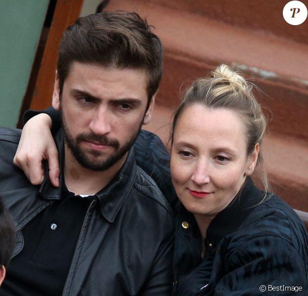 Audrey Lamy et son compagnon Thomas Sabatier aux Internationaux de France de tennis de Roland Garros à Paris (2014).