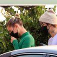 Justin Bieber et sa femme Hailey Baldwin Bieber sont allés dîner en amoureux au restaurant Nobu à Malibu, le 21 août 2020. Ils portent des masques de protection contre le Coronavirus (Covid-19).