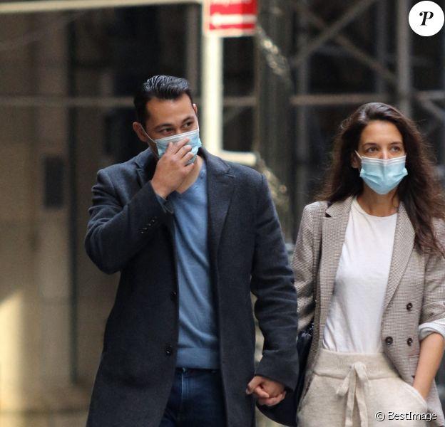 Katie Holmes en sortie avec son compagnon Emilio Vitolo Jr. à New York pendant l'épidémie de coronavirus (Covid-19)