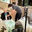 """Mercotte en duplex depuis son domicile lors du tournage de la saison 9 du """"Meilleur Pâtissier"""" (M6), tandis que Cyril Lignac et Julia Vignaly tournent, comme d'habitude, dans les Yvelines."""