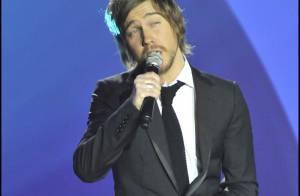 Julien Doré, un chanteur qui excelle en duo... Il a trouvé une nouvelle complice, regardez !