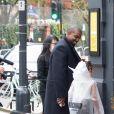 Kanye West et sa fille North arrive à l'atelier de la créatrice Michiko Koshino à Londres, le 10 octobre 2020.