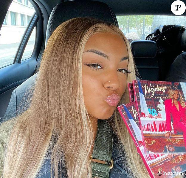 """Wejdene prend la pose sur Instagram. La chanteuse a dévoilé en septembre son tout premier album en septembre dernier, """"16""""."""