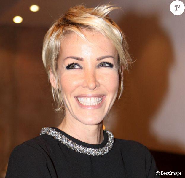 """Ophélie Winter - Remise des prix des """"Best 2009"""" dans les salons Hoche à Paris."""