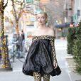 """Exclusif - Anya Taylor-Joy porte une robe imprimée léopard pour promouvoir le film """"Emma"""" à New York le 17 février 2020."""