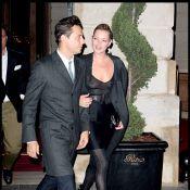 Quand Kate Moss débarque à Paris... seins nus, elle fait sensation ! Forcément !