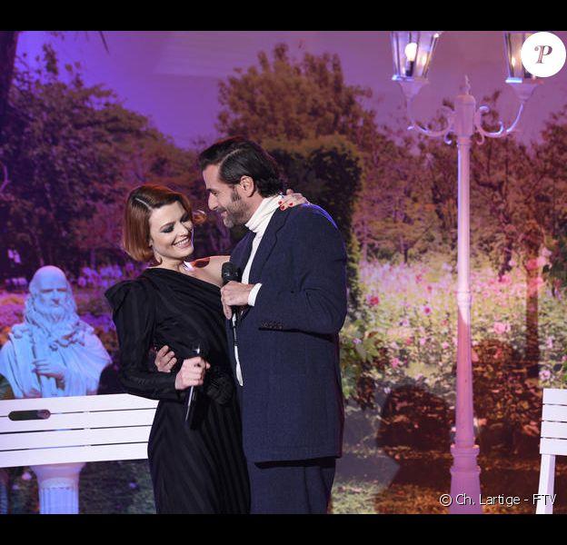 """Elodie Frégé et Grégory Fitoussi dans l'émission """"Allez viens, je t'emmène"""", sur France 3, les 27 novembre 2020."""