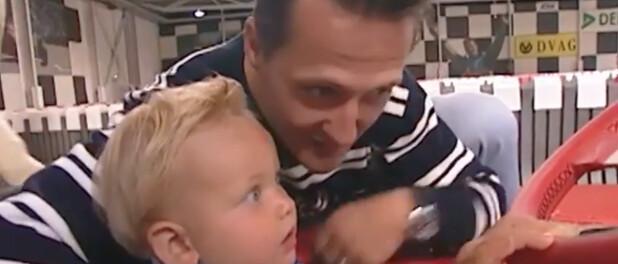 Michael Schumacher - Son fils Mick bientôt en F1, 30 ans après ses débuts : touchante photo à deux