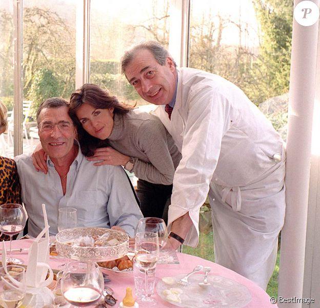 Marc Meneau dans son restaurant l'Espérance avec Caroline Barclay et Gérard Bourgoin