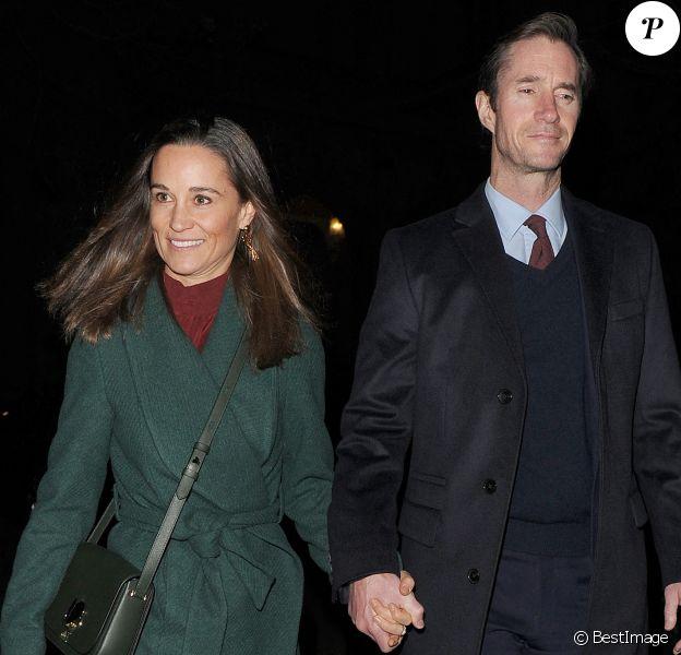 Pippa Middleton et son mari James Matthews se rendent à l'église St-Luke à Londres.