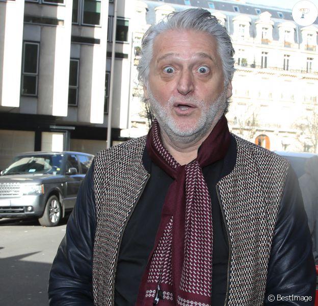 Gilbert Rozon dans la rue à Paris