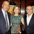 Fawaz Gruosi, Elie Saab et sa femme lors de la soirée présentation de la nouvelle collection De Grisogono à Paris le 8 octobre 2009