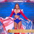 Miss Normandie   :   Amandine Petit   lors du défilé des 15 demi-finalistes sur le thème du 14 juillet - élection de Miss France 2021 le 19 décembre sur TF1