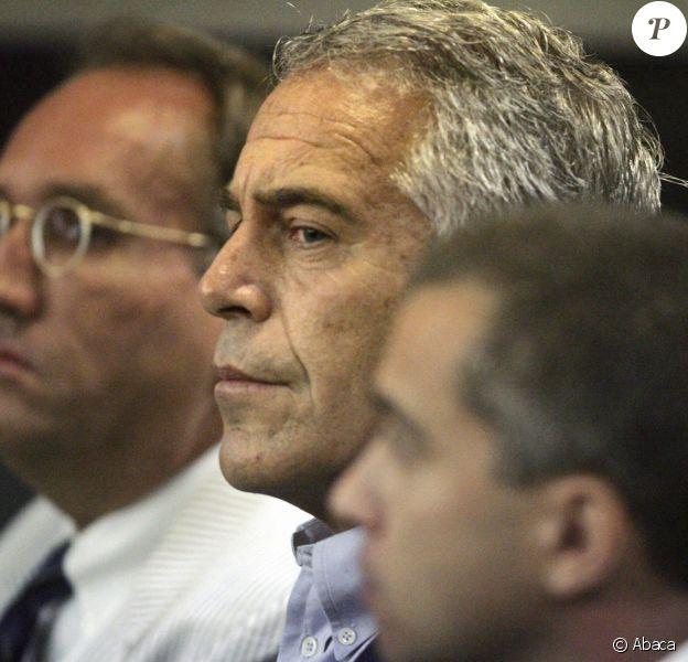Le millionnaire américain Jeffrey Epstein s'est suicidé en prison à New York. Ici à Palm Beach lors d'une audience au tribunal.