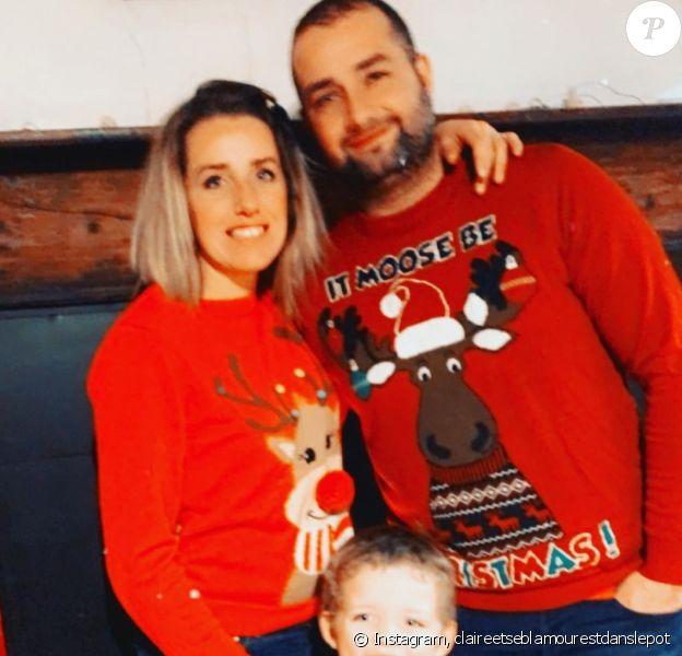 """Claire de """"L'Amour est dans le pré"""" avec son mari Sébastien et son fils Mathéo pour Noël."""