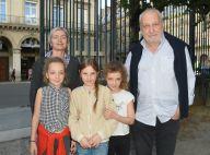 """François Berléand """"papa poule"""" : tendres confidences sur ses jumelles de 12 ans"""