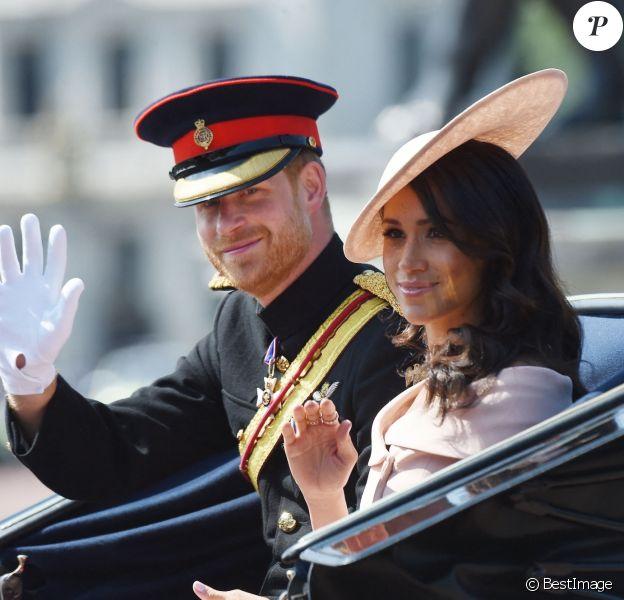 """Le prince Harry, duc de Sussex, et Meghan Markle, duchesse de Sussex - Les membres de la famille royale britannique lors du rassemblement militaire """"Trooping the Colour"""" (le """"salut aux couleurs""""), célébrant l'anniversaire officiel du souverain britannique. Cette parade a lieu à Horse Guards Parade, chaque année au cours du deuxième samedi du mois de juin."""