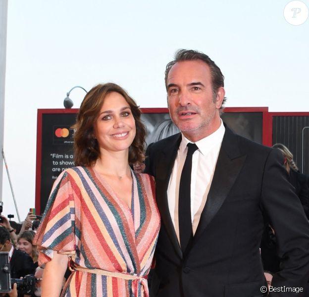 """Jean Dujardin et sa femme Nathalie Péchalat - Red carpet pour le film """"J'accuse!"""" lors du 76ème festival du film de venise, la Mostra"""