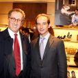 Ernesto Mauri, président de Mondadori France et Claudio Castiglioni, directeur marketing du groupe Tod's, lors de la soirée Italian Touch à la boutique Tod's. Paris, le 13 octobre 2009