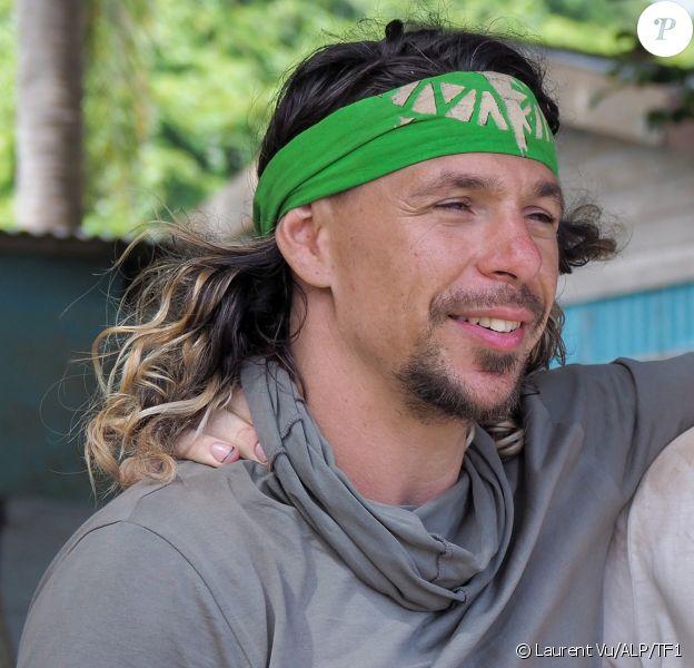 """Bertrand-Kamal, aventurier de l'équipe de l'Est, dans """"Koh-Lanta, Les 4 Terres"""" en 2020."""