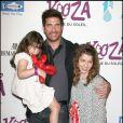 Dylan McDermott et ses filles Colette et Charlotte pour l'inauguration du spectacle Kooza du Cirque du soleil au profit de l'association One Drop à Santa Monica le 16 octobre 2009