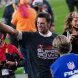 Tom Brady fêtant son septième Super Bowl avec sa femme Gisele Bündchen au Raymond James Stadium à Tampa, le 7 février 2021. Les Buccaneers (avec Tom Brady) ont battu les Chiefs 31-9. Photo by Kevin Dietsch/UPI/ABACAPRESS.COM