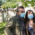 """Exclusif - Elsa Esnoult et Sébastien Roch - Tournage de la série """"Les Mystères de l'amour"""" à Cergy-Pontoise. Le 14 mai 2020."""