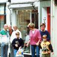 Diana et ses fils, William et Harry, à Londres.