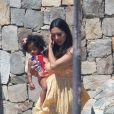 Exclusif - Vanessa Bryant à Cabo San Lucas au Mexique. Vanessa est accompagnée de ses filles Capri et Bianka! Le 3 octobre 2020