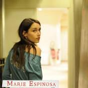 Marie Espinosa dépose sa petite annonce... Un joli clip dans Paris !