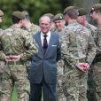 Le prince Philip, duc d'Edimbourg, rend visite au 1er bataillon des Grenadiers à Aldershot. Le 24 février 2014.