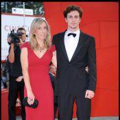 Sam Taylor-Wood 42 ans va épouser son acteur de 19 ans... qui incarne John Lennon ! Les anglais sont scandalisés !