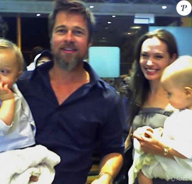 Brad Pitt et Angelina Jolie et leurs jumeaux Vivienne Marcheline et Knox Leon