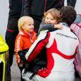 """Le prince Carl Philip de Suède et ses fils le prince Alexander et le prince Gabriel de Suède lors de la Coupe Scandinave Porsche Carrera au """"Mantorp Park race track"""" à Mantorp. Le 3 octobre 2020"""