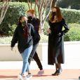 Angelina Jolie fait du shopping avec ses filles Zahara et Shiloh à Thousand Oaks, Los Angeles, Californie, Etats-Unis, le 6 février 2021.