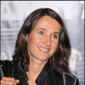 Alexia Laroche-Joubert chante très faux... Mais vraiment très faux ! Regardez, c'est très drôle !