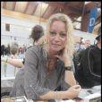 Raphaëlle Ricci à la Foire du Livre de Brive (7 novembre 2009)