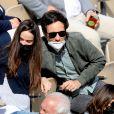 Vianney (Vianney Bureau) et sa compagne Catherine Robert (enceinte) dans les tribunes des Internationaux de France de tennis de Roland Garros à Paris, France, le 5 juin 2021. © Dominique Jacovides/Bestimage