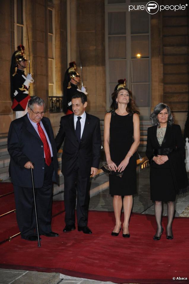 Carla Bruni et Nicolas Sarkozy au dîner d'Etat organisé à l'Elysée en l'honneur du président irakien Jalal Talabani. 16/11/09