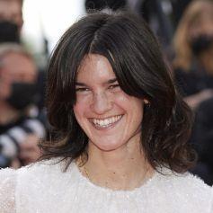 """Suzanne Lindon - Montée des marches du film """" OSS 117 : Alerte rouge en Afrique Noire """" lors du 74ème Festival International du Film de Cannes. Le 17 juillet 2021. © Borde-Jacovides-Moreau / Bestimage"""