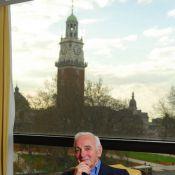 Charles Aznavour : il réclame un entretien avec... Nicolas Sarkozy !