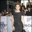 Jennifer Lopez dévoile son nouveau clip  Fresh out the over , titre qu'elle interprétera ce dimanche 22 novembre, aux American Music Awards 2009.