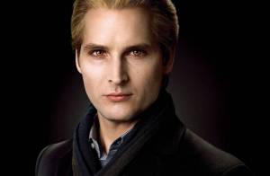 Regardez le charismatique Peter Facinelli de