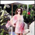 La belle Alicja Bachleda-Curus, au bord de la piscine d'un hôtel de Mexico, où elle passe quelques jours de repos avec son compagnon Colin Farrell, le 30 novembre 2009.